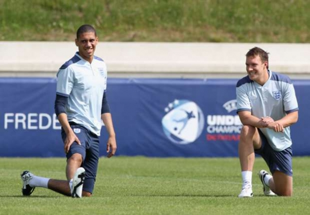 Smalling Dan Jones Latihan Rutin